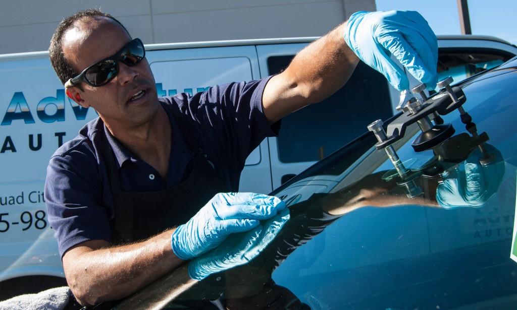repair a windshield crack