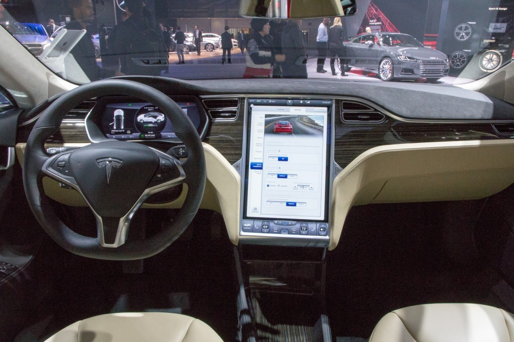 Tesla model s p85d 2015 view inside