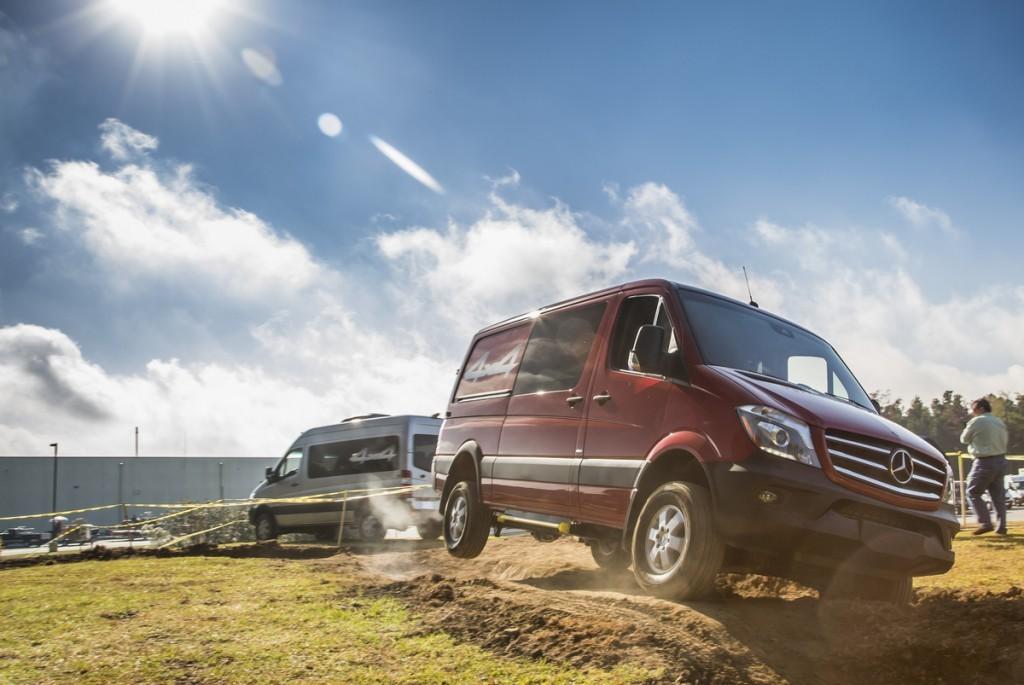 the 2015 mercedes benz sprinter passenger vans are showing off funtodrive net. Black Bedroom Furniture Sets. Home Design Ideas