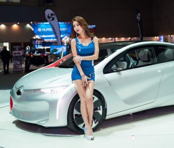 Most beautiful girls in the Seoul Motor Show 2015 (13)