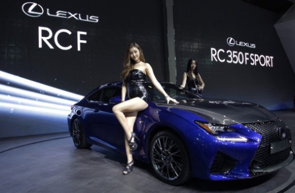 Most beautiful girls in the Seoul Motor Show 2015 (2)