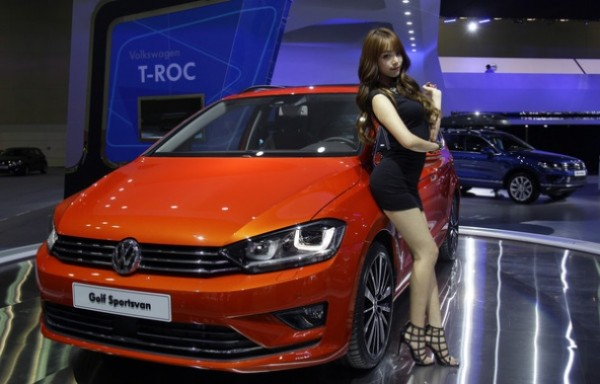 Most beautiful girls in the Seoul Motor Show 2015 (4)