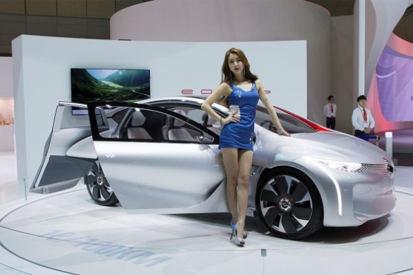 the most beautiful girls in the seoul motor show 2015