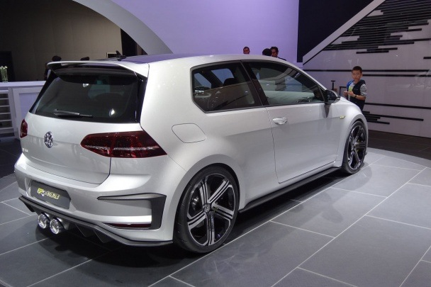 super powerful vw golf gti r420 will be put into production in 2016 funtodrive net. Black Bedroom Furniture Sets. Home Design Ideas
